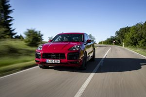 Porsche Reports 3