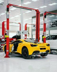 في منشأة رويال سويس لخدمات السيارات4 Ferrari صورة 2_ صيانة سيارة