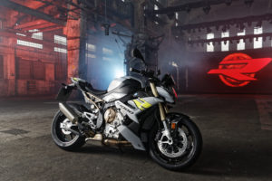 2the-new-bmw-s-1000-r