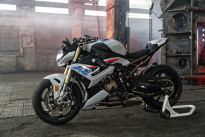 4the-new-bmw-s-1000-r