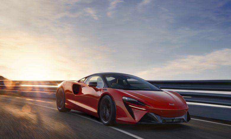 3 12994-McLarenArtura