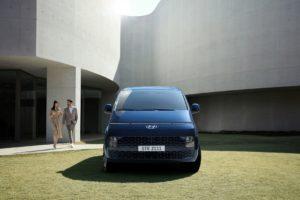 Hyundai STARIA MPV 5